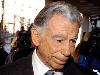 kirk-kerkorian-went-from-boxer-and-royal-air-force-pilot-to-las-vegas-mega-resort-owner