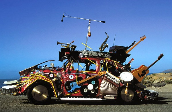 musical-instruments-bizzare-car-design