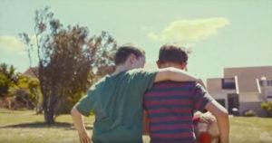 Не просто друзья: один из лучших видеороликов о дружбе