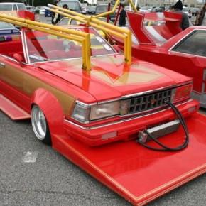 Необычный японский тюнинг автомобилей.