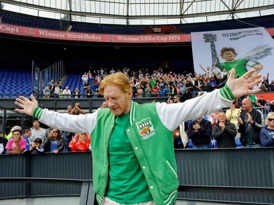 Трогательная история прощания с голландским футбольным фанатом.