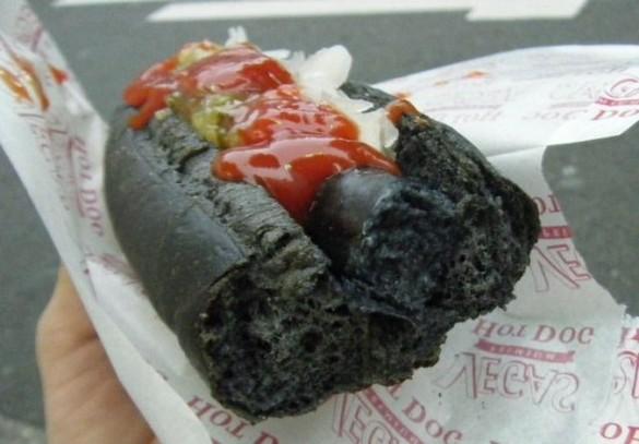 Токийский черный «Хот Дог»