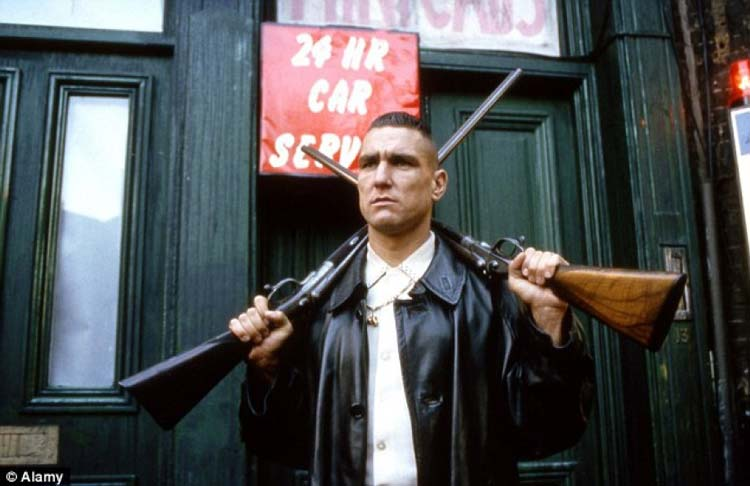 https://www.officeplankton.com.ua/wp-content/uploads/2013/07/footbolist-vinnie-jones.jpg