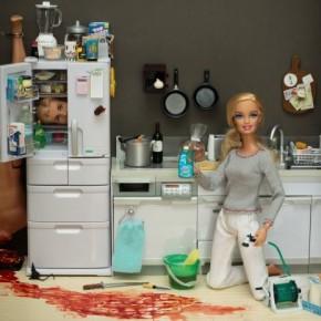 Нездоровые и необычные фото с Барби.