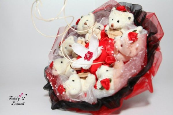 Что подарить девушке? Букет из игрушек — оригинальный и милый подарок