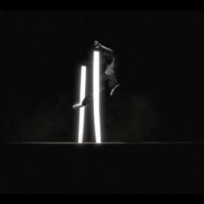 Битва танцора со светом в зрелищном видео «Нюанс»