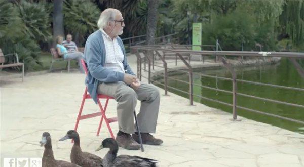 Купил как-то дедушка стул в IKEA-очаровательное позитивное видео