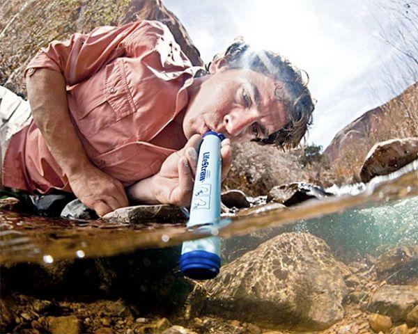 Трубочка для питья воды из рек или озер.