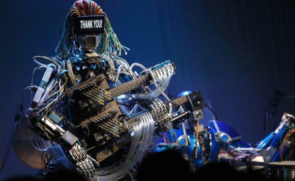 «Z-MACHINES»-первая рок-группа из роботов дает «живые концерты» в Японии + КЛИП