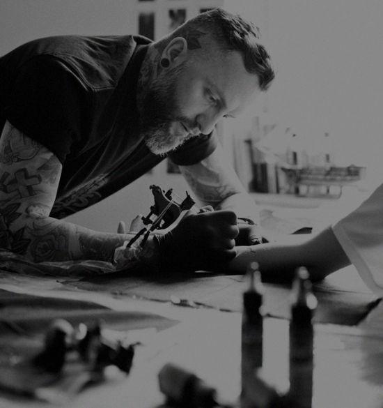 Как сделать  себе татуировку: советы и подсказки тату-мастеров, бывалых и одного священника.