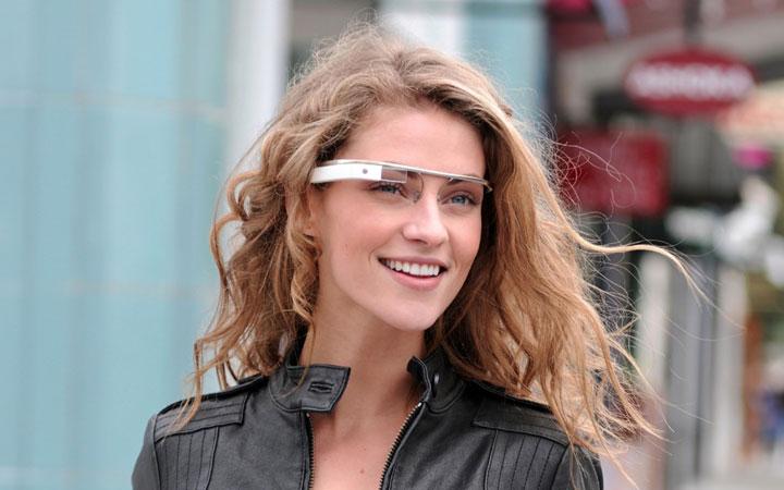 Как работает интерфейс электронных очков Google Glass.