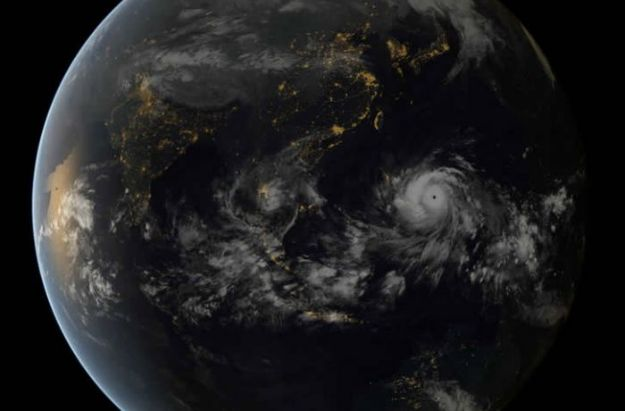 Видеокадры сильнейшего в истории тайфуна «Хайянь», который обрушился на Филиппины