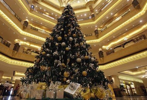 Топ-10 самых дорогих новогодних и рождественских елок в мире