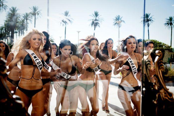 Жизнь девушек за кулисами конкурсов красоты.