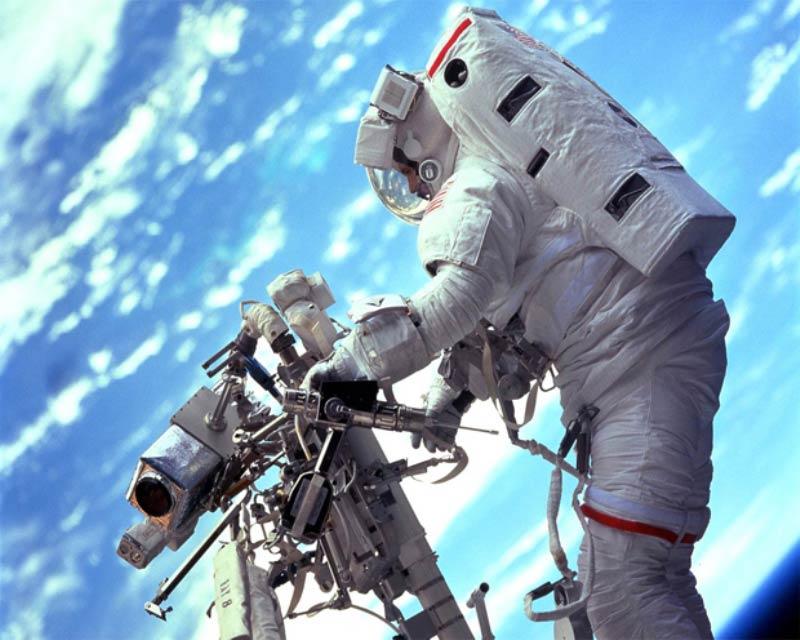 Что будет в открытом космосе с человеком, без скафандра?