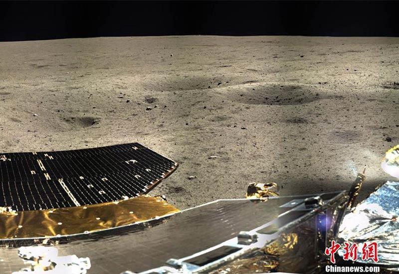 Фотографии Луны, которые присылает китайский луноход.