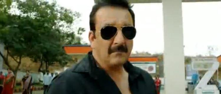 Лучший момент из индийского боевика «Полицейский-бандит». Голливуд на такое не способен.