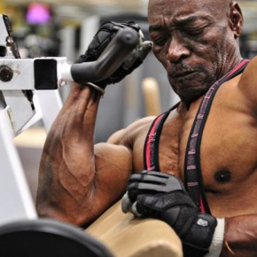 Возраст спорту не помеха. 70-летний бодибилдер Сэм «Сонни» Браянт.