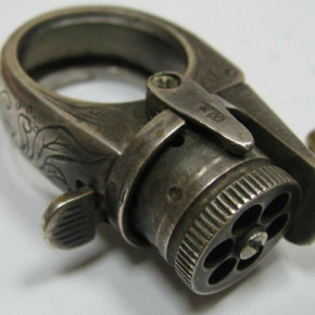 Мега крутое кольцо-револьвер