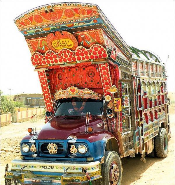 Как в Пакистане тюнингуют машины.