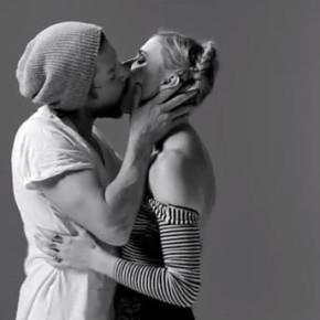 Реакция на поцелуи 20 незнакомых друг другу людей
