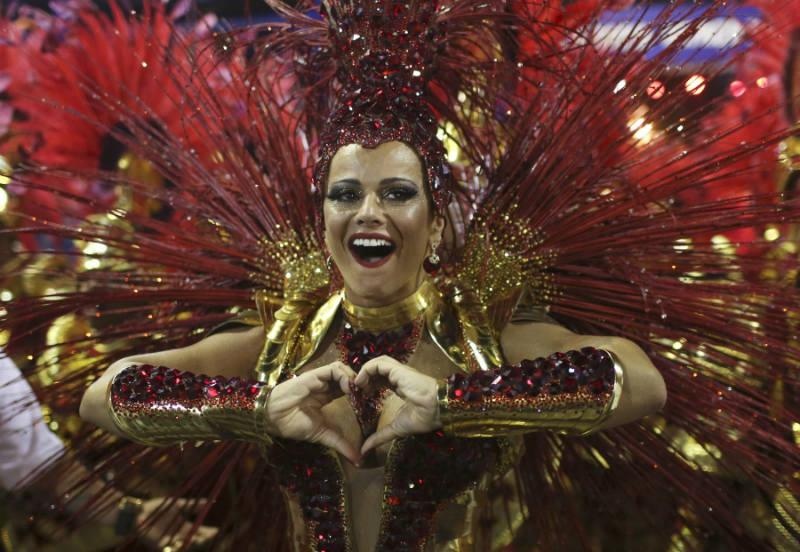 Сногсшибательные девушки Бразильского Карнавалакрасивые девушки бразильского карнавала