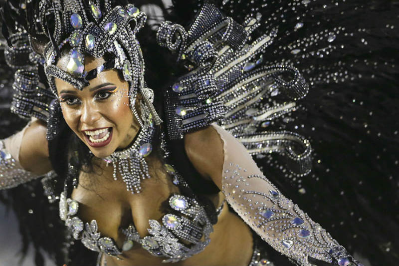 Сногсшибательные девушки Бразильского Карнавала
