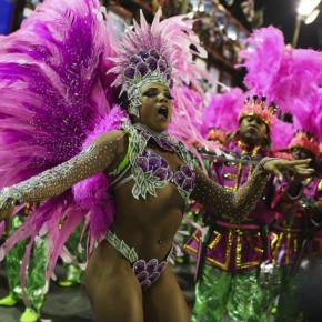 Сногсшибательные красивые девушки бразильского карнавала