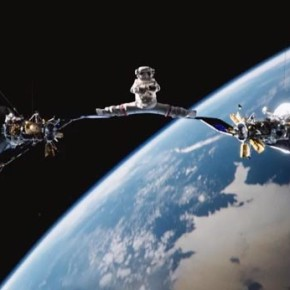Новый шпагат от Жан Клода Ван Дамма в открытом космосе