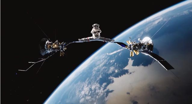 Новый шпагат от Жан Клода Ван Дамма в открытом космосе.(2014)