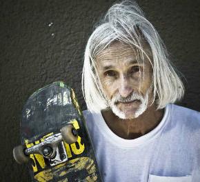 """60 летний скейтер Нил """"Чувак"""" Анджер доказывает, что можно жить молодым всегда"""