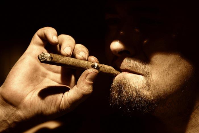 5 способов избавиться от запаха табака в помещении.