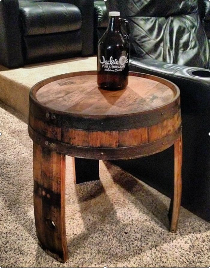 Крутой журнальный стол из бочки для бурбона от «Columbus Barrel Co»