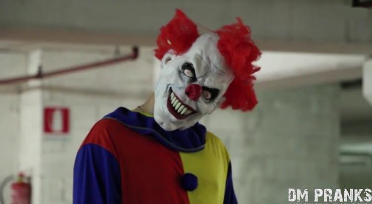 Возвращение клоуна маньяка