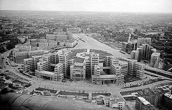 История самой большой площади Европы — площадь Свободы города Харькова.