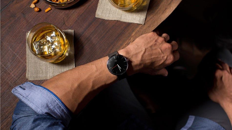 Обзор наручных смарт-часов (умных часов) от компании Motorola — Moto 360.
