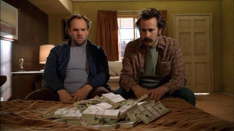 10 фактов о деньгах: почему одни получают больше, а другие меньше