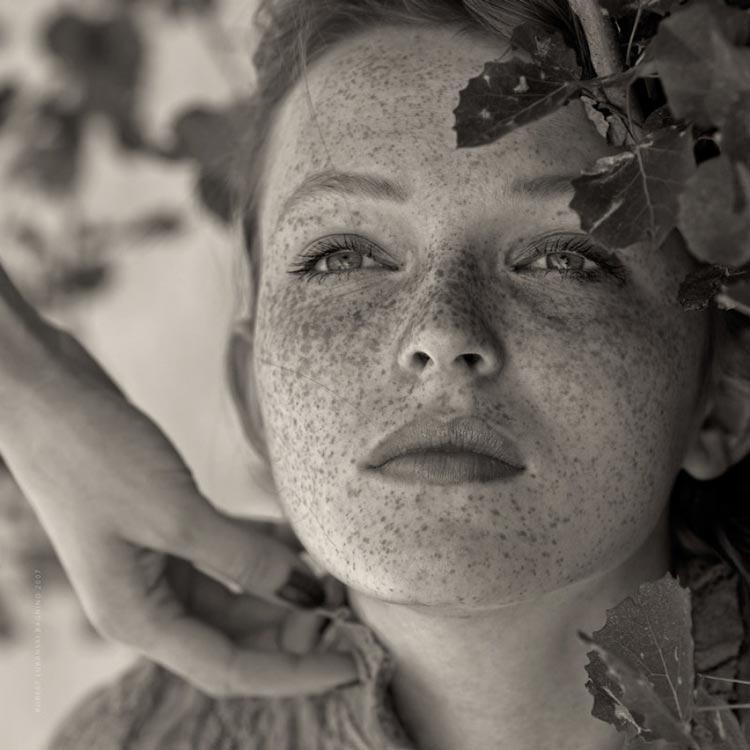 Поцелованные солнцем: 15 шикарных девушек с веснушками