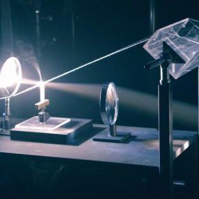 IT IS A SCIENCE BITCH: Заумная машина Руба Голдберга с применением оптики.