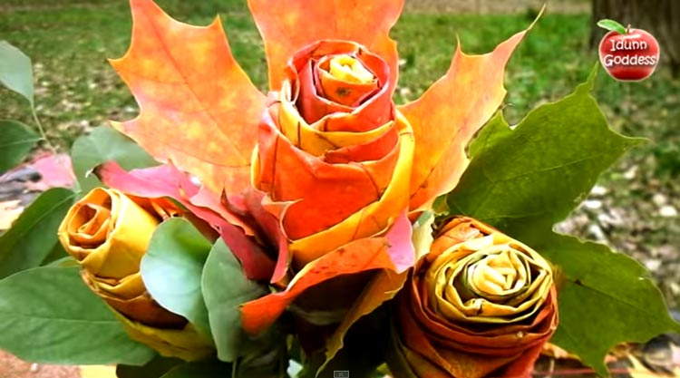 Как сделать красивую розу из осенних кленовых листьев.
