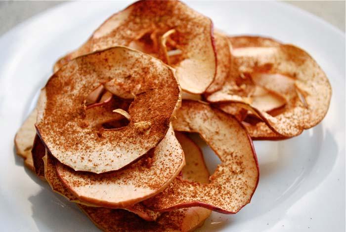 3 альтернативы картофельным чипсам, которые легко сделать дома