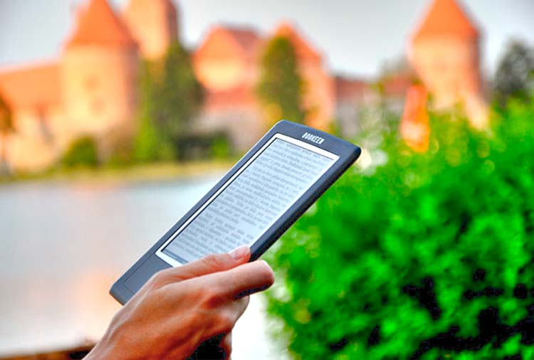 Первая электронная книга с встроенной зарядкой от солнечной энергии от Bookeen.