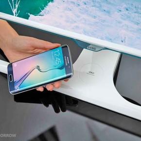Первый монитор с беспроводной зарядкой смартфонов от Samsung.