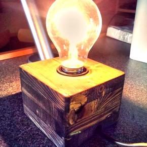 Делаем крутой светильник своими руками, даже если вы ни черта не соображаете в электрике.