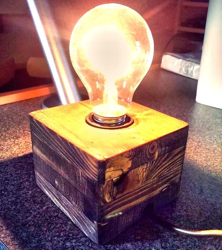 Делаем крутой светильник своими руками, даже если вы не разбираетесь в электрике.