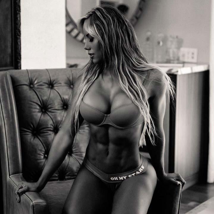 Фитнес-модель Соня Исаза и ее превосходное тело.