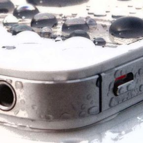 Дерьмо случается: что делать если телефон упал в воду.