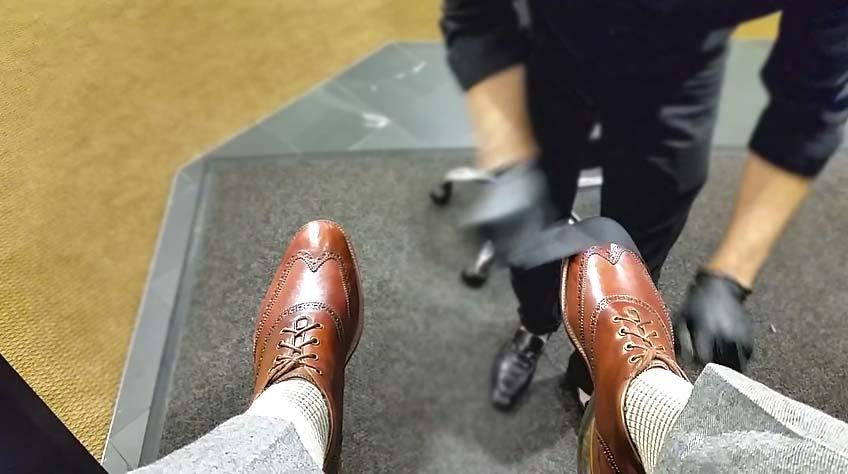 Правильный уход за обувью: научиcь чистить свои ботинки, как это делает Теодор — лучший чистильщик обуви из Денвера