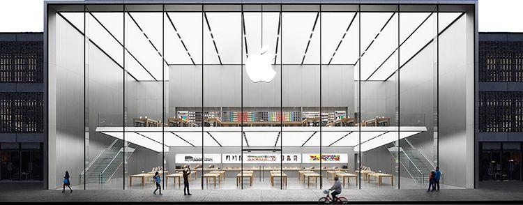 О клиентах, о работе, и iPhone: как выглядят будни продавца гаджетов Apple