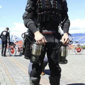 Английский Тони Старк создал свой костюм железного человека